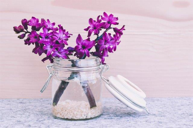 small-vase-bathroom-Easter-Decorations